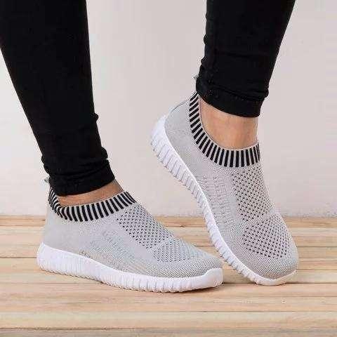 All Season Elastic Athletic Slip-On Sneakers Plus Sizes