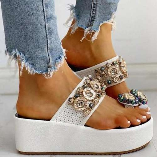 Women's fashion flip-flop sandals