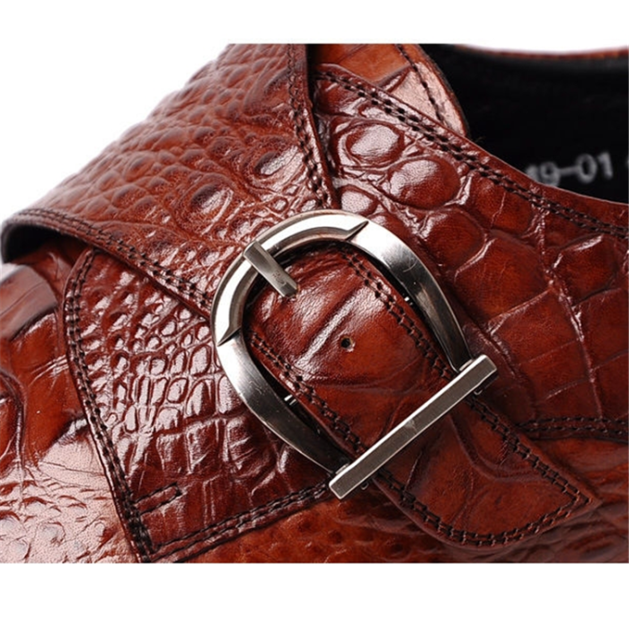Crocodile Pattern Of Buckle Leather Shoes