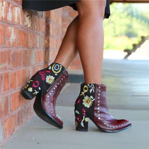 Chunky Heel Pointed Rivet Short Boots