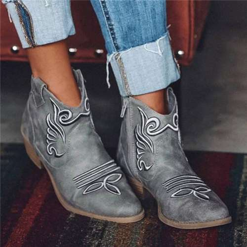 Women Retro Embroidery Pointed Toe Zipper Low Heel Boots