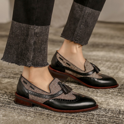 Retro Round Toe Tassel Loafers