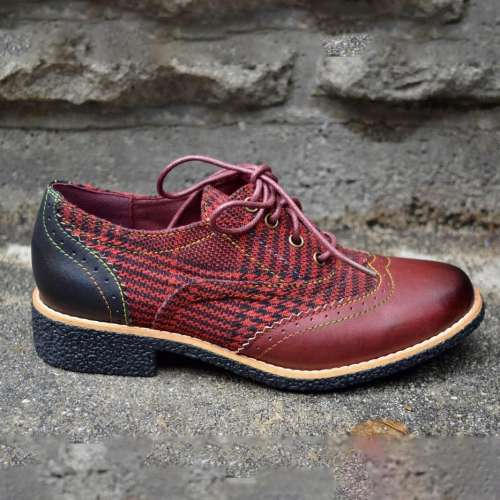 Leather and Textile Uppers Lace Up Entry Shoes
