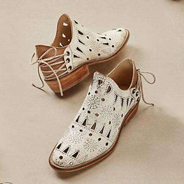 Vintage Chic Western Hollow Boots