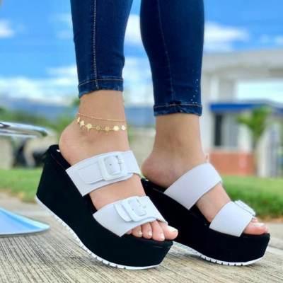 **Women's Comfy Buckle Straps Platform Soft Sole Slippers