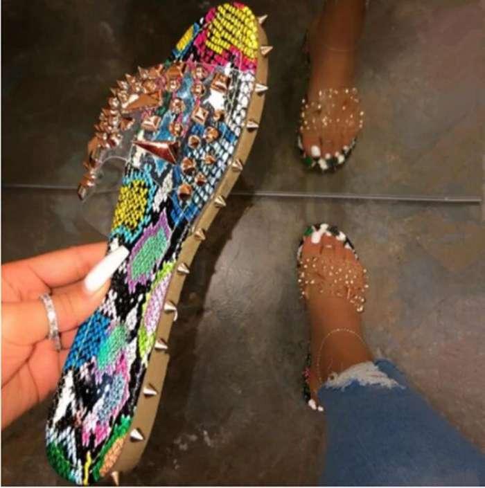 Flat With Flip Flop Rivet Slip-On Slippers