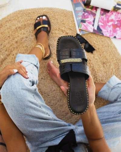 Women's Fashion Rivet Chain Slippers