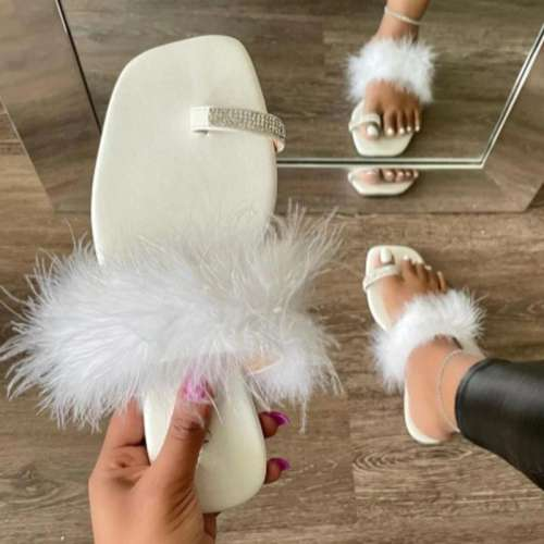 Women Fashion Web Celebrity Style Pu Fluffy Fur Rhinestone Toe Loop Sandals