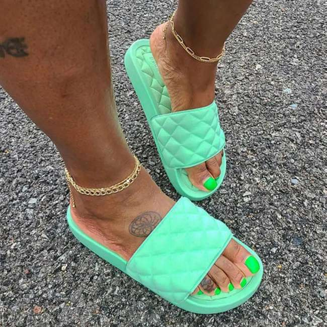 Women's Comfy Quilted Slides