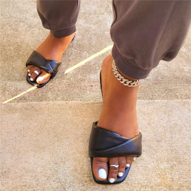 Women's Fashionable And Comfortable Flat Sandals