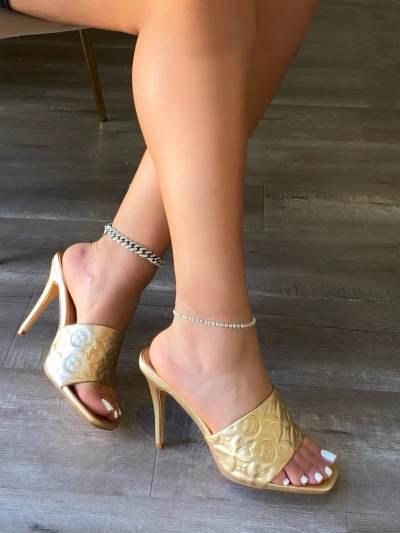 *Ladies Comfortable Daisy Mule Heels