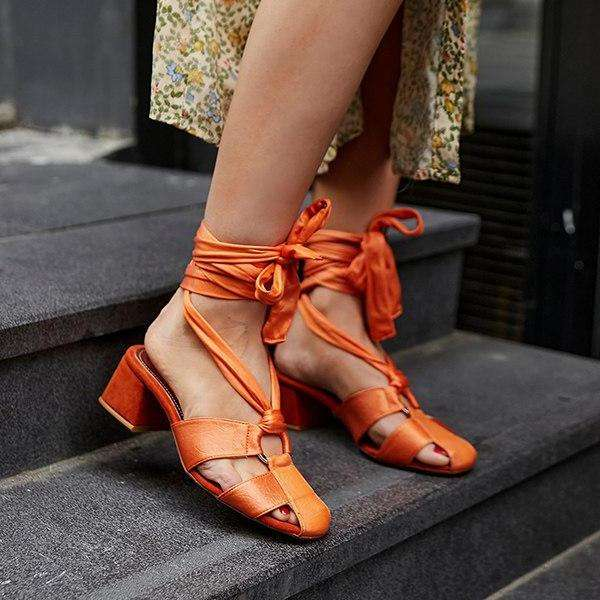 Women's Vintage Hollow-out Straps Chunky Heels