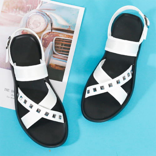 Men's Leather Summer Leisure Open Toe Beach Personality Rivet Sandals
