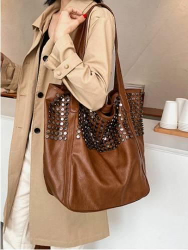 Vintage Punk Shoulder Bag Exquisite Hardware Rivet Decor Large Capacity Tote