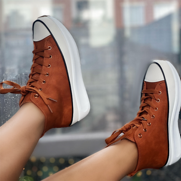 High-Top Lace Up Platform Sole Sneakers