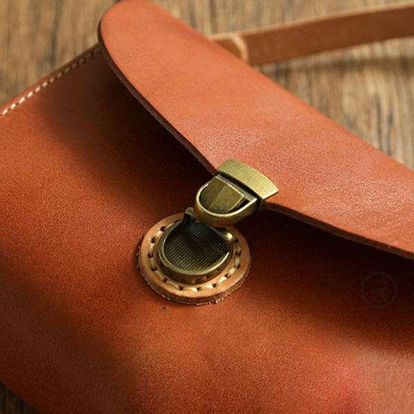 Cowhide Handbags Retro Handmade Leather Bag