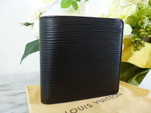 ルイヴィトン エピ スーパーコピー二つ折り財布マルコ黒M63652