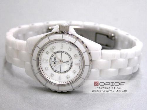 シャネルJ12 スーパーコピーH2570 29mm ホワイトセラミックブレス 8Pダイヤ ホワイトシェル