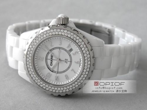 シャネルJ12 スーパーコピーH0967 ホワイトセラミックブレス ベゼルダイヤ ホワイト