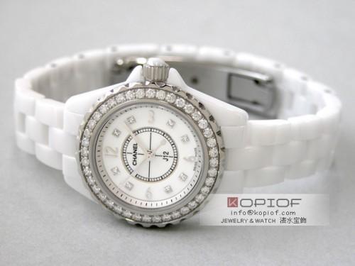 シャネルJ12 スーパーコピーH2572 ホワイトセラミックブレス 8Pダイヤ ベゼルダイヤ ホワイトシェル