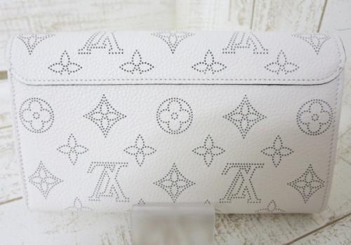 ルイヴィトン モノグラム マヒナ 財布スーパーコピーポルトフォイユ・イリス 二つ折り財布 ウォレット MAHINA M60177