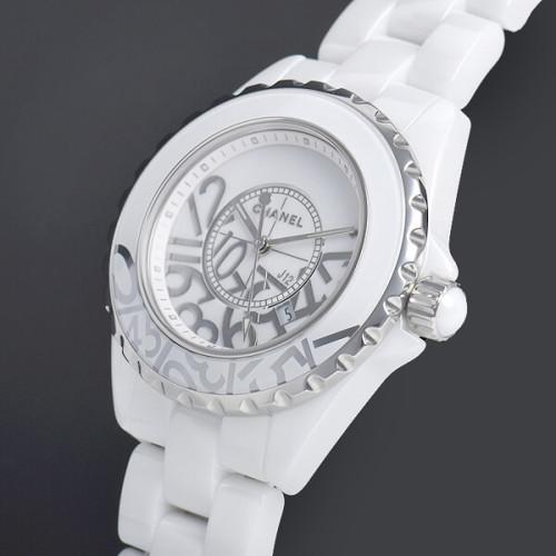 シャネル時計コピーJ12 33 グラフィティ 世界限定1200本 H5239