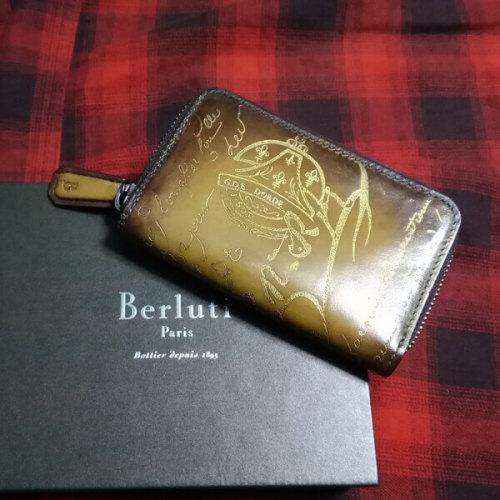 ベルルッティ財布 コピーBerluti スタンプ入りゴールドパティーヌ Berluti キーケース