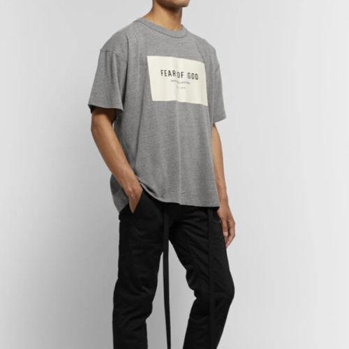 関税送料込 新作 Fear Of God 偽物オーバーサイズ ロゴ Tシャツ