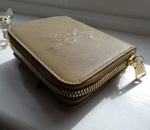 サンローラン 財布コピーSaint Laurent 折りたたみ財布 352906 CP20O 2718深みのあるブラックカラーがCool