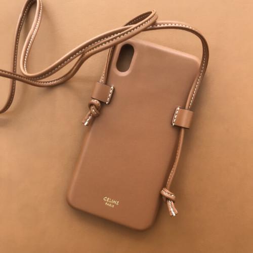 セリーヌ iphoneケース コピー CELINE ストラップ付きラムスキン iPhone XS MAXケース