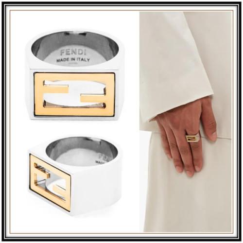 フェンディ 指輪 偽物 FENDI FFゴールドロゴシルバーリング
