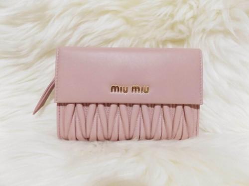 2020新作大人気miumiu 財布 コピーミュウミュウ 折りたたみ財布 マテラッセ 5ML225 N88 F061500
