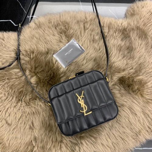 サンローラン ヴィキカメラ キルティングラムスキン 555052 0YD0J 1000 ラムスキン
