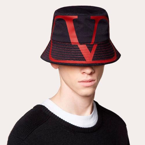 VALENTINO ヴァレンティノ キャップ コピー*Vロゴ バケットハット 帽子 LOOK SY2HGA00RPF I52