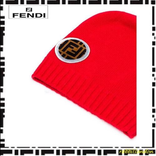 2018新作人気 フェンディ キャップ スーパーコピー FENDI 帽 FF ロゴパッチ ビーニー帽子