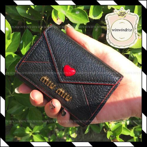 2020大人気 MIUMIU ミュウミュウコピー ラブレター 折財布 MADRAS LOVE 5MH021_2BC3_F0002