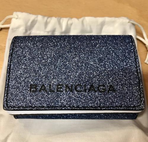 バレンシアガ グリッターラメ 三つ折り財布 スーパーコピー