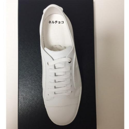 シャネル スニーカー 偽物 CHANEL ールホワイトに型押しのCCマークがめっちゃ可愛い ホワイト