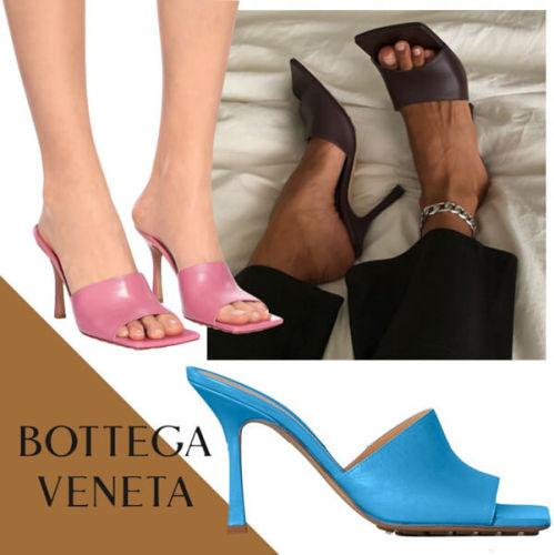 VIP新作【Bottega Veneta】ボッテガヴェネタ ヒールサンダル コピーキルティングレザーのスクエアソールフラットスライドサンダル 610538VBSF09122