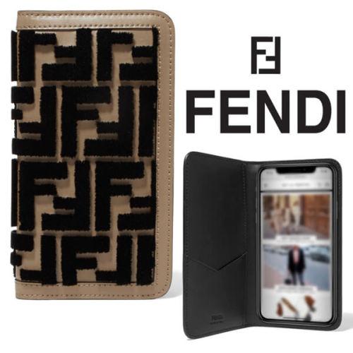 フェンディiPhoneXS ケース コピー FENDI iPhone X iPhone Xsケース ロゴ ベルベット + キャメルレザー ダブルFのモノグラムが
