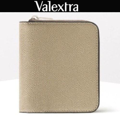 ヴァレクストラ スーパーコピー セレブ愛用 レザージップコンパクト財布