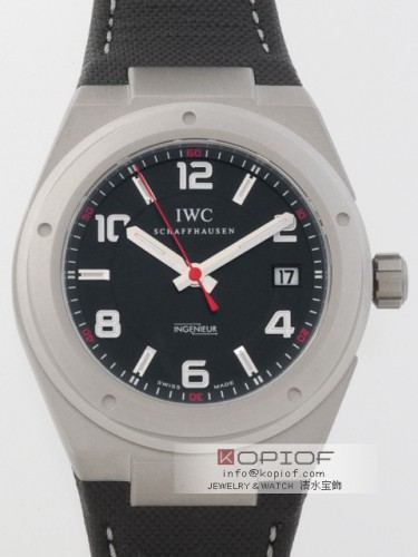 IWC インヂュニア スーパーコピーIW322703 TI/ソフトストラップ ブラック