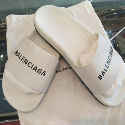 バレンシアガ サンダル コピー ストラップにバレンシアロゴが入ったフラットサンダル プール 500573 WAL00 1008