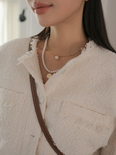 Two-Layer Linked Chain and Faux Pearl Necklace