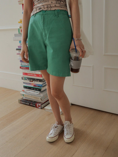 Button Accent Side Pocket Shorts