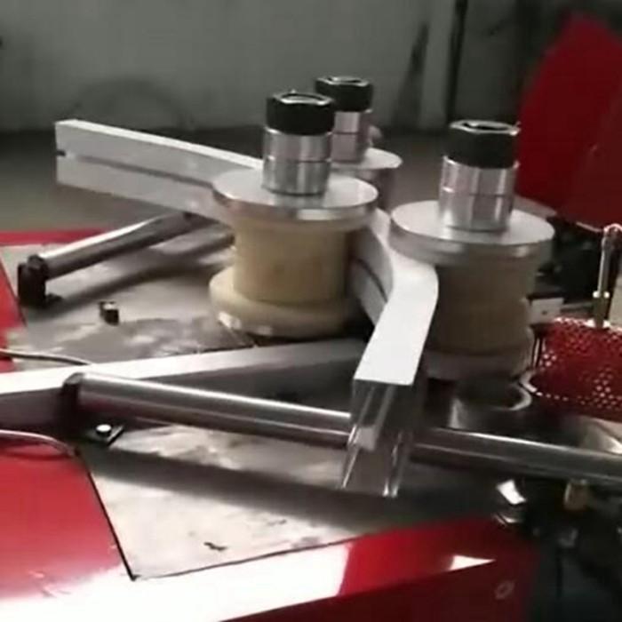 数控铝合金型材辊轴弯曲机