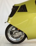 MonoRacer: Fully enclosed motorcycle for long distance travel