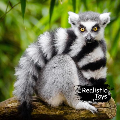 Emma Realistic Toys - Realistic & Lifelike Lemur Kianna