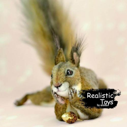 Emma Realistic Toys - Realistic & Lifelike Squirrel Scout