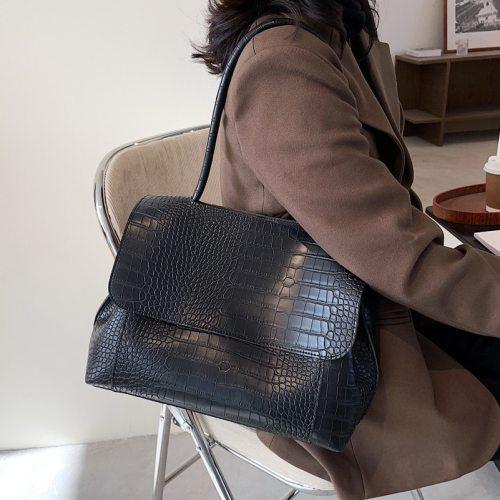 Designer Crocodile Pattern women handbag Large Capacity  Shoulder Bags for female 2021 Casual Totes Pu Leather messenger bag